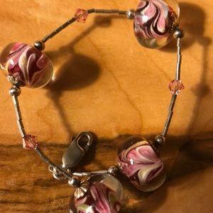 Jewelry - Pretty glass bead bracelet